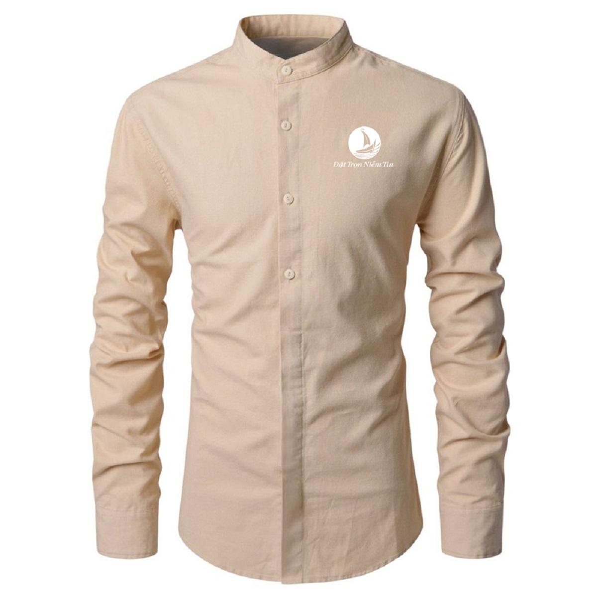 Vải nhập ngoại cao cấp, đứng form áo, dày dạn, hạn chế bị xù lông và phai màu, dặt ủi dễ như: kate bamboo, kate USA …