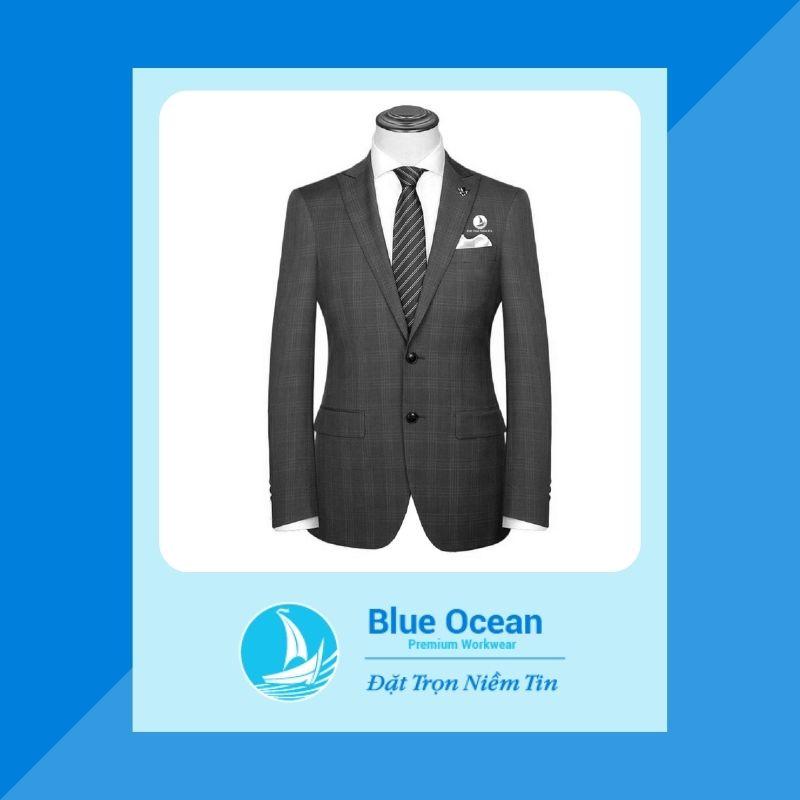 Đồng phục với kiểu dáng sang trọng, cùng những đường may tinh tế giúp nâng tầm vị thế, vai trò và uy nghiêm cho người quản lý